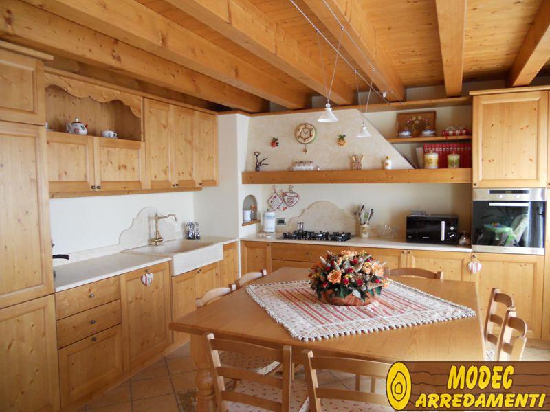Arredi personalizzati rustici e per la montagna modec - Mobili per case di montagna ...